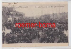 86335 Ak Deutsche Truppen am Hafenplatz in Libau Liepāja 1915
