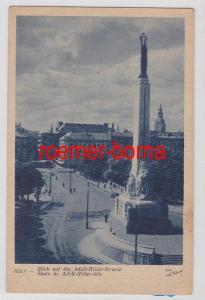84535 Ak Riga Straßenansicht mit Denkmal um 1940