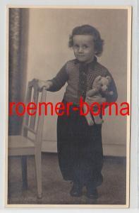 83235 Foto Porträt kleines Mädchen mit Teddybär aus Halle um 1930
