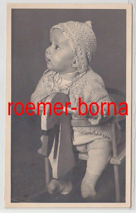 83232 Foto Porträt Baby auf einem Schaukelpferd aus Halle um 1930 0
