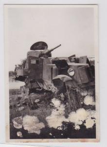84104 Orig. Foto zerstörter Panzer bzw. Panzerkampfwagen 2.Weltkrieg