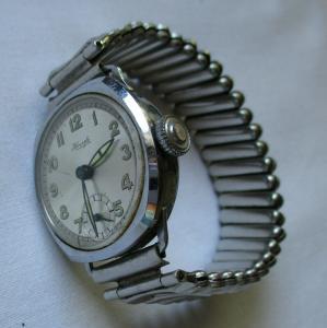 Seltene Herren Armbanduhr Kienzle Vintage mit Metallarmband (134037)