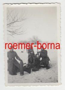 73986 Original Foto 2 deutsche Soldaten mit Mörser oder Granatwerfer 2.Weltkrieg