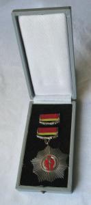 DDR alter Vaterländischer Verdienstorden in Silber im Original Etui (125701)