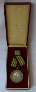 Medaille für treue Dienste in der NVA nat.Volksarmee in Silber 900er Ag (108255)