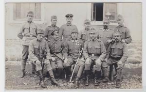 93401 Foto AK K. u. K. Soldaten mit Orden und Säbeln 1. Weltkrieg