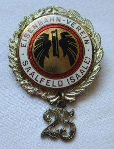 Emailliertes Abzeichen 25 Jahre Eisenbahn Verein Saalfeld (Saale)  (111221)