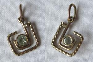Zierlicher Ketten Anhänger 333er Gold mit weißem Schmuckstein (121590)