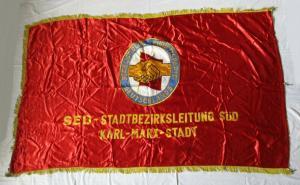 DDR Fahne Einheitspartei SED Stadtbezirksleitung Süd Karl-Marx-Stadt (135312)