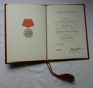 DDR Verdienstmedaille der NVA Nationale Volksarmee Gold Urkunde 1978 (135142)