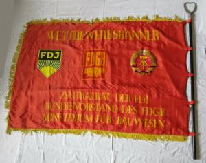 DDR Fahne bestes Jugendkollektiv Ministerium f. Bauwesen FdJ FDGB (135283)