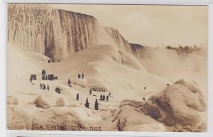 80911 Foto Ak USA Niagara Falls On the Ice-Bridge Eisbrücke Gletscher 1914