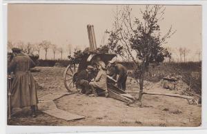 75325 Foto Ak Abwehrgeschütz bei Beschießung eines Fliegers 1916
