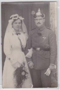 85041 Foto Ak Gössnitz Soldat Infanterie mit Pickelhaube um 1915