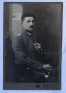 76967 Kabinett Foto Offizier mit Degen und Portepee Burg bei Magdeburg
