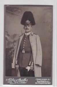 93652 Kabinett Foto Dresden Garde Soldat mit Paradehelm um 1910