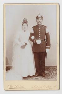 82698 Kabinett Foto Leipzig Eutritzsch Soldat mit Pickelhaube um 1900