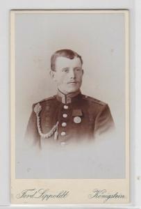 69639 Kabinett Foto Königstein Soldat mit Schützenschnur & Centenarmedaille 1900