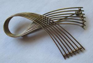 Filigrane Brosche aus 333er Gold in Schleifenform (123807)