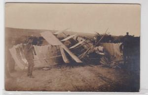 94240 Foto AK abgestürztes französisches Flugzeug an der Westfront 2. Sept. 1916