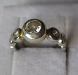 Eleganter teilvergoldeter 925er Sterling Silber Ring mit Schmucksteinen (125994)