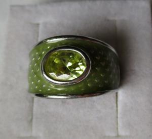 Eleganter 925er Sterling Silber Ring mit grünem Schmuckstein (113372)