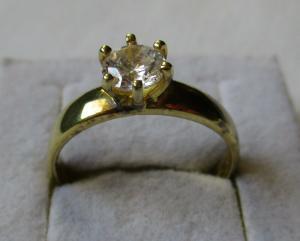 Hochwertiger 925er Sterling Silber Damenring Zirkonia Stein vergoldet (135827)