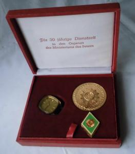 Jubiläum Ministerium des Innern Herren Armbanduhr Marke Ruhla Widmung (117680)