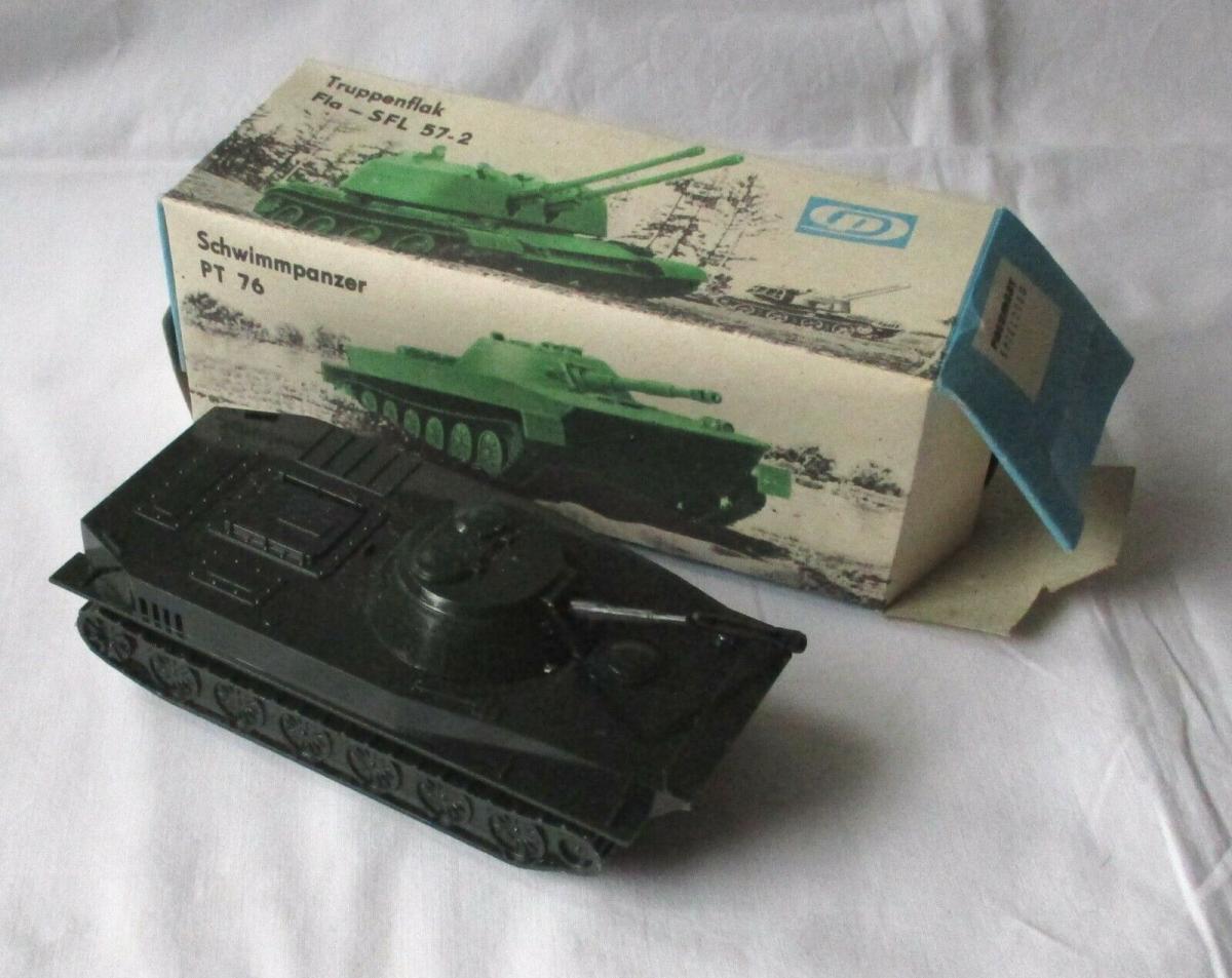 Modellbau Schwimmpanzer PT 76 Pneumat Spielzeug DDR VEB Plastaform OVP (108594) 0