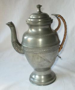 Antike Zinn Kanne Teekanne Kaffeekanne Karaffe Krug mit Ornamenten (134627)