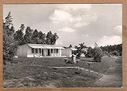 """Alte Ansichtskarte/AK/Postkarte: FDGB-Urlaubersiedlung """"Völkerfreundschaft"""" Klink / Waren-Müritz"""