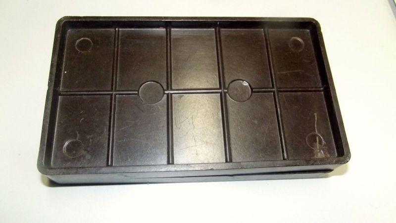 2 Ostereier Formen mit geriffelter Oberfläche Bakelit Schokoladen Form 4