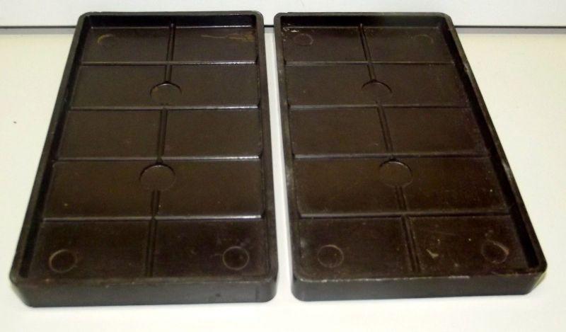 2 Ostereier Formen mit geriffelter Oberfläche Bakelit Schokoladen Form 7