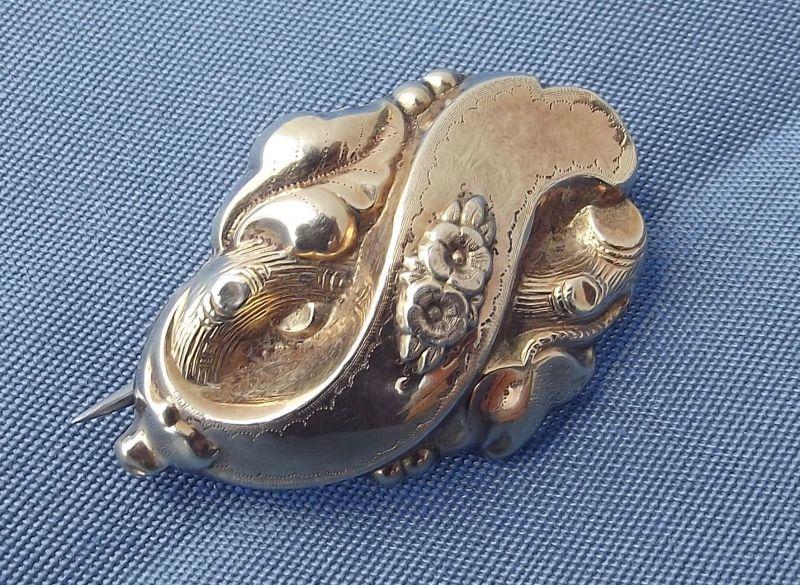 S-4 / Wunderschöne kleine Biedermeier Schaumgold Brosche Tracht Trachtenschmuck