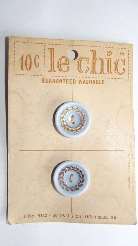 2 Knöpfe auf Palette Antik le chic um 1900 Hellblau