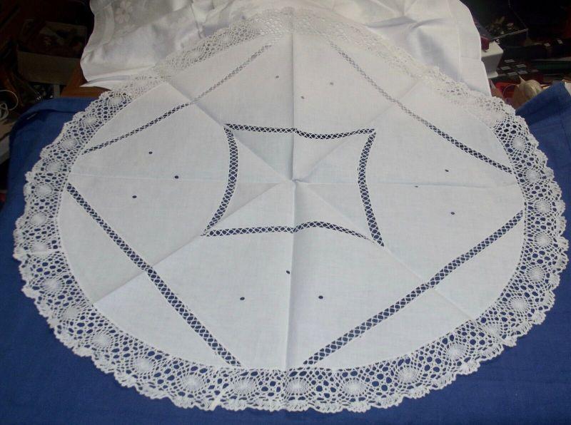Wunderschöne Tischdecke Klöppelspitze Rund Durchmesser 74 cm