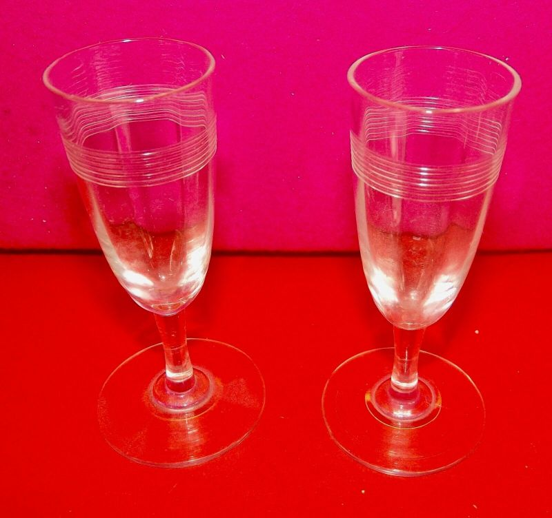 2 mal Antikes Likör Glas