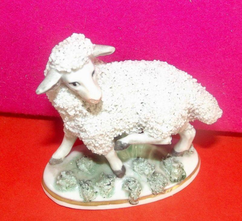 Porzellan Figur Nippes Schäfchen Schaf