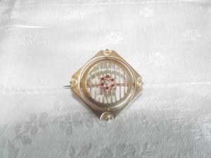 Jugendstil Brosche Gold Double rote Steine Flussperle Art Nouveau Brooch