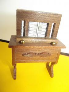 Puppenstuben Radio Schrank