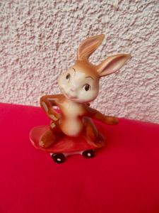 Goebel Ostern Hase Bunny auf Skateboard