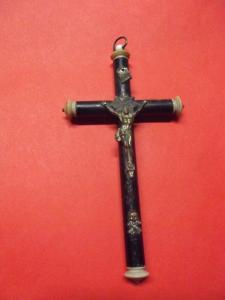 Antikes Kreuz Kruzifix mit Totenkopf / Sterbekreuz aus Holz & Bein