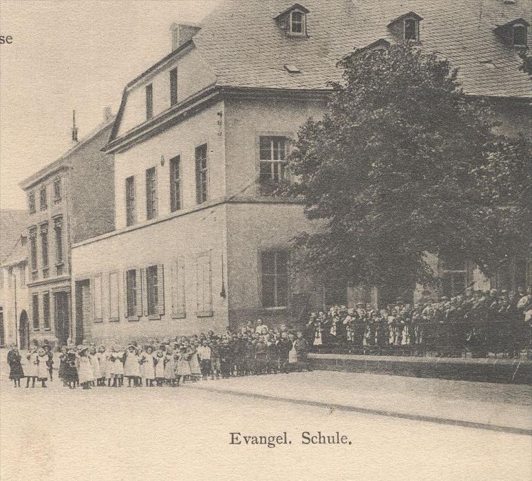 Alte postkarte neuwied engerserstrasse evangelische schule for Evangelische school