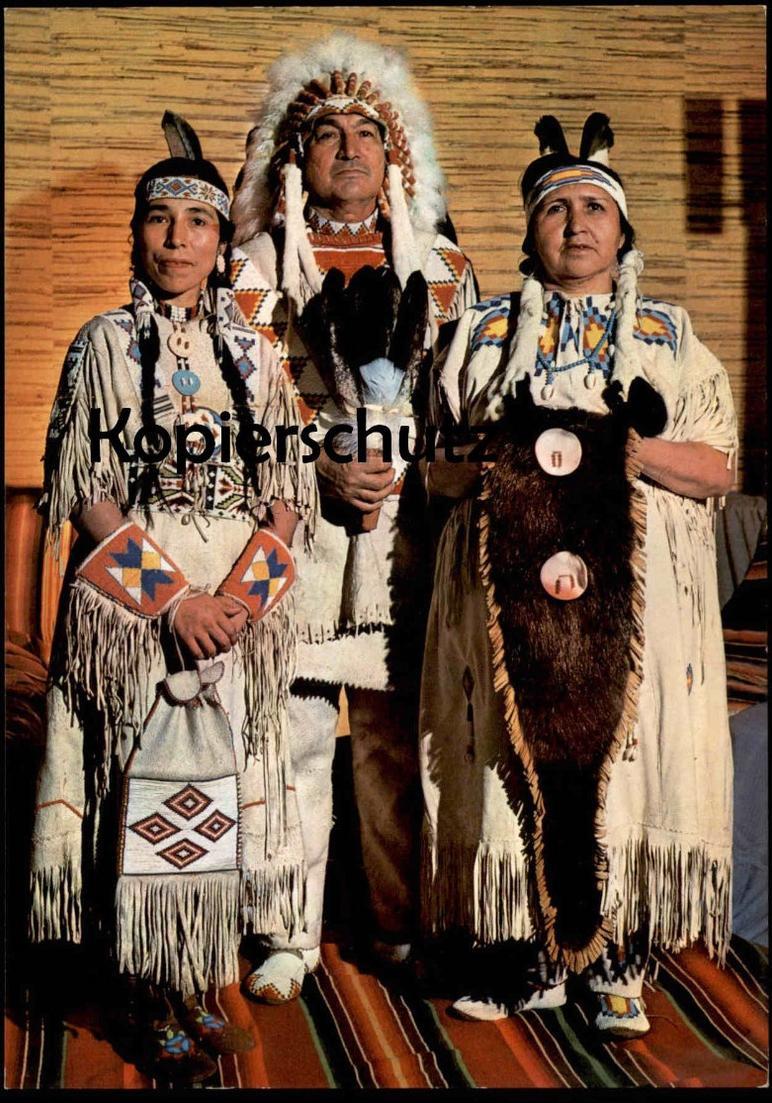 POSTKARTE CREE INDIANER HÄUPTLING BÄREN-KIND MIT SQUAWS MUTTER UND TOCHTER Indian Indians Indien Feather headdress