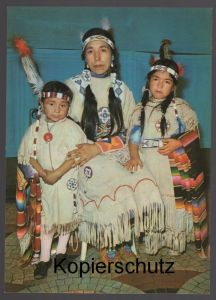 POSTKARTE INDIANER MUTTER MIT IHREN KINDERN MAUSI UND CONNY Indian Indians Indien Feather headdress coiffe cpa AK