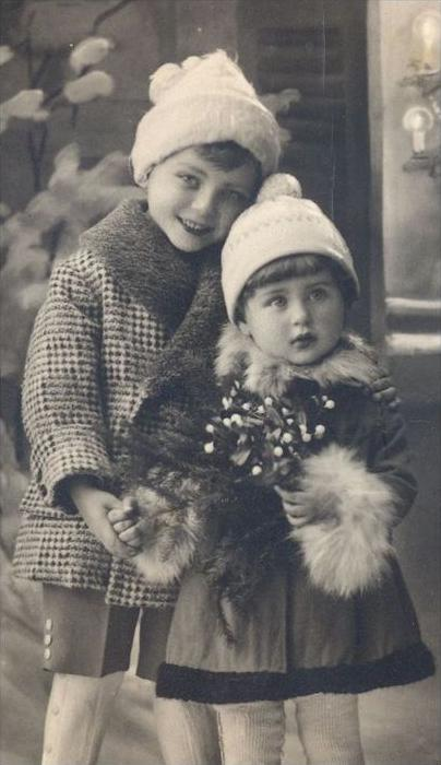 ALTE POSTKARTE WEIHNACHTEN REH KINDER KIND christmas tree child children enfant enfants Pelz cpa postcard Ansichtskarte 1