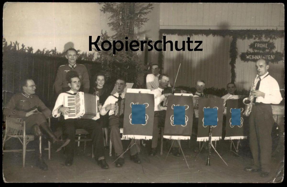 ALTE FOTO-POSTKARTE FROHE WEIHNACHTEN GEIGE SAXOPHON Musik Soldat Soldaten soldier soldats uniform ah violin sax photo