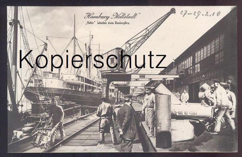 ALTE POSTKARTE HAMBURG Hafen Harbour Dampfer steam ship bateau à vapeur Frachtschiff cargo freight ship crane Kran grue