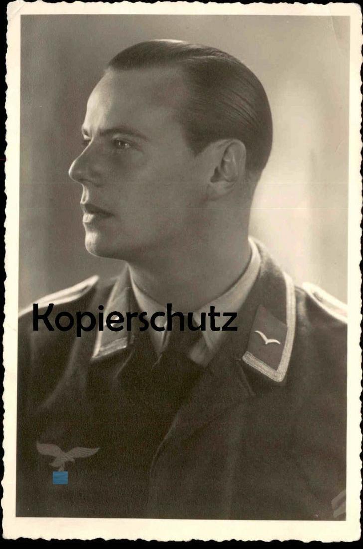 FOTOKARTE PHOTOKARTE SOLDAT IN UNIFORM 40er Jahre Foto Photo Soldier Guerre WWII 2. WK Weltkrieg Militär military
