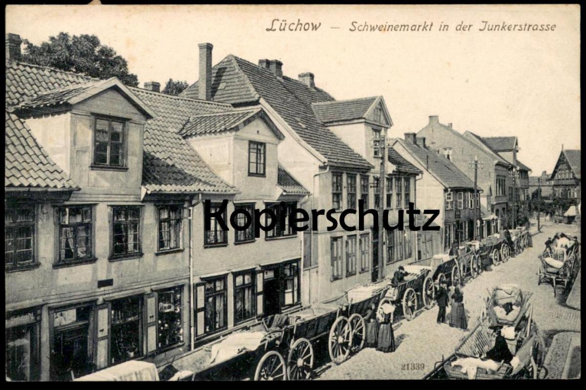 ALTE POSTKARTE LÜCHOW SCHWEINEMARKT IN DER JUNKERSTRASSE Markt market marché Ansichtskarte cpa postcard AK